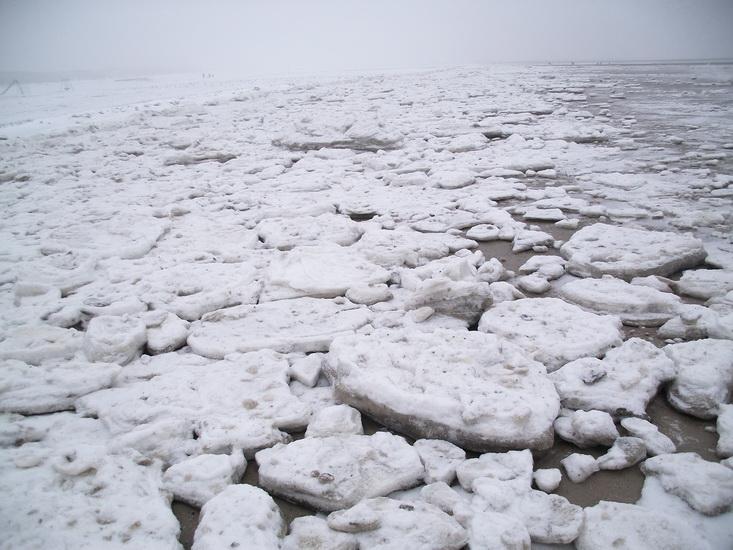Eisschollen auf Borkum