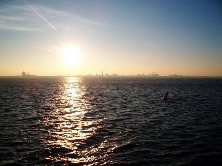 Borkum Winter 2011 - Blick auf Eemshaven