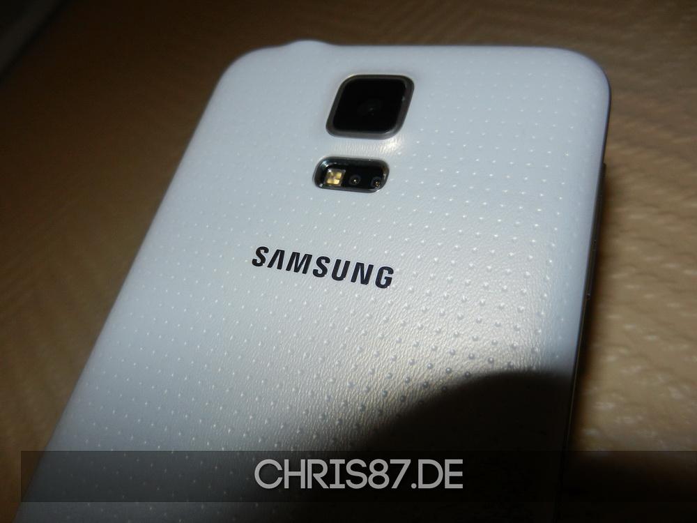 """Samsung Galaxy S5 Rückseite mit """"Golfballnoppen"""""""