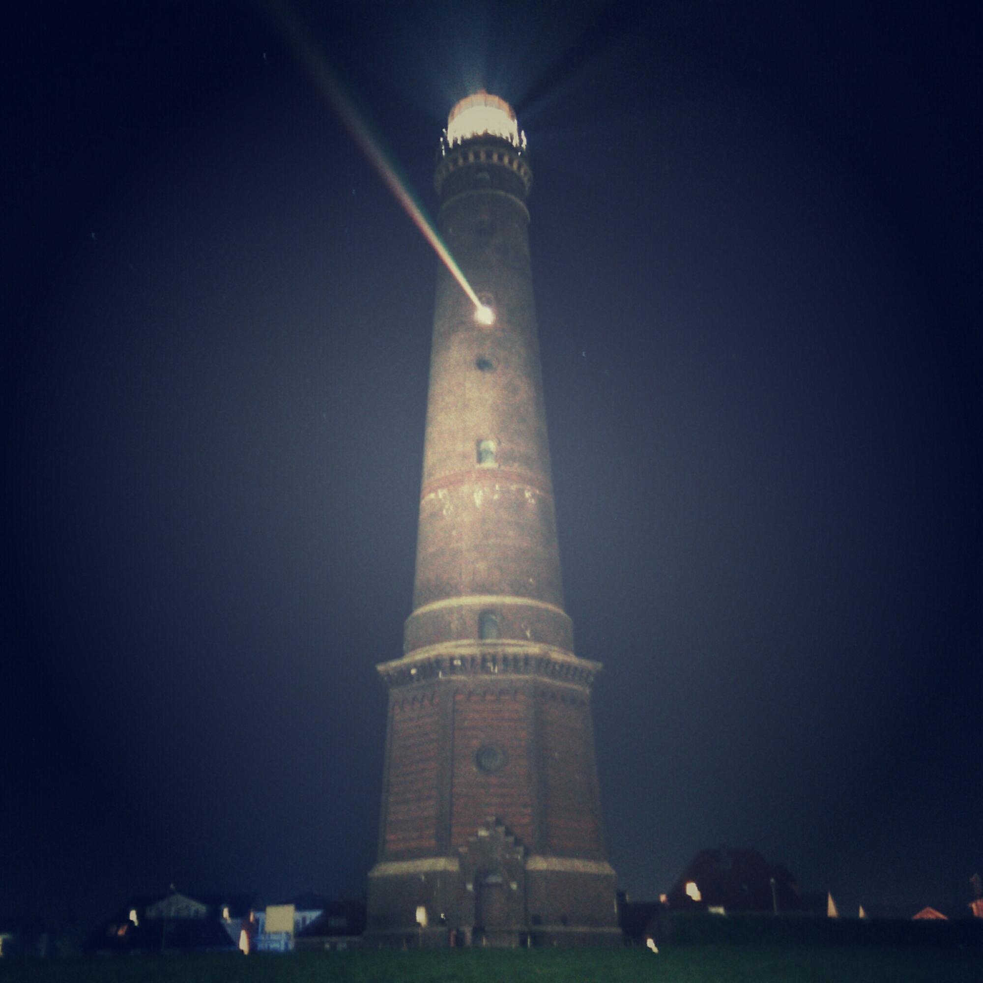Neuer Leuchtturm Borkum bei Nacht