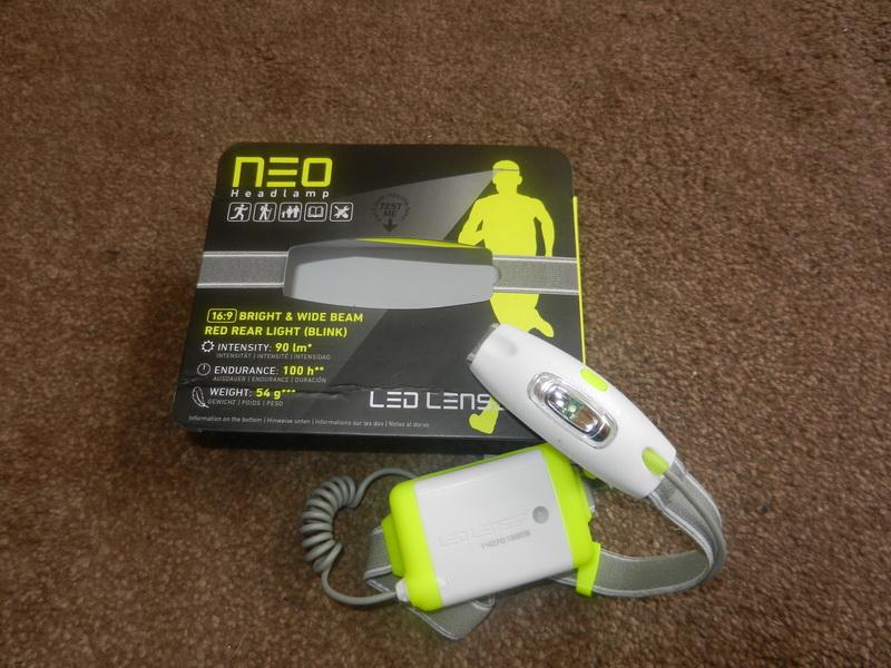 LED Lenser Neo und Verpackung