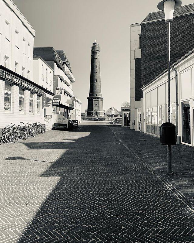 Montag, 4. April - 15 Uhr. Irgendetwas fehlt hier #borkum #borkumaktuell #inselisolation
